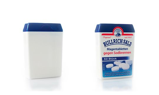 Packaging with pre-kitted bottom compartement and hinged lid, 3D samples through rapid prototyping (left)